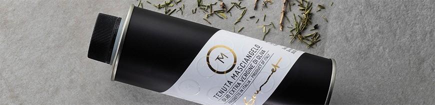 Olio d'oliva prodotto in Italia sulle colline Abruzzesi
