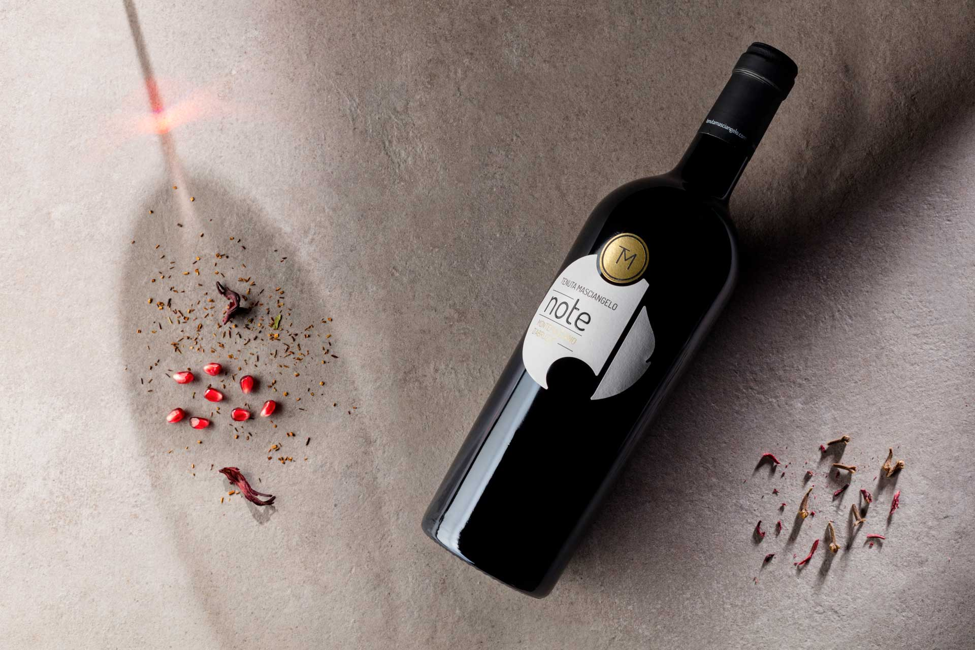NOTES GOLD AND INDIGO AWARDED AT THE DECANTER WORLD WINE AWARDS 2018